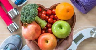 Skål med frugt og grønt