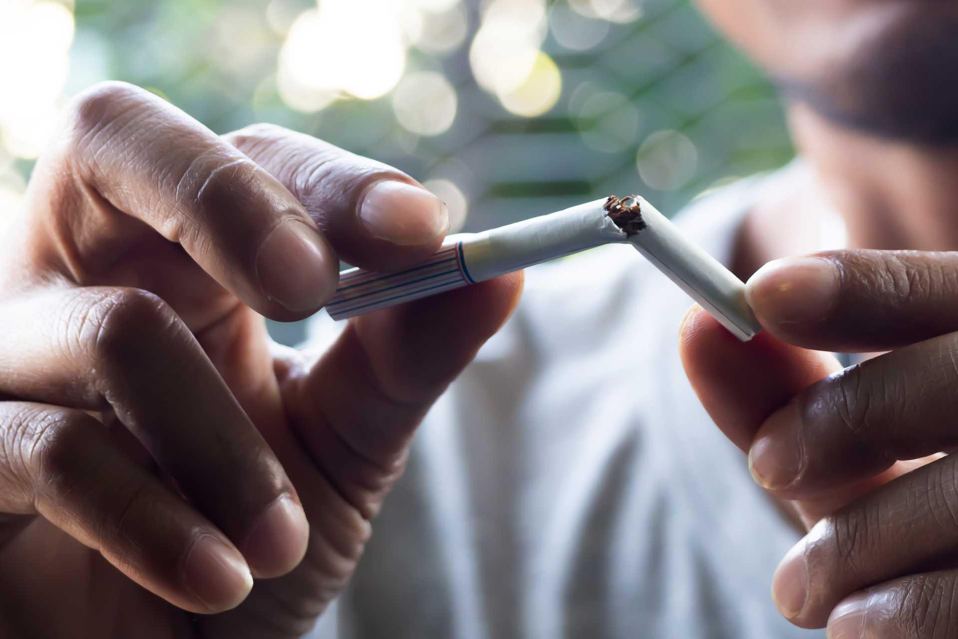 En knækket cigaret